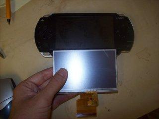 Porovnání displeje Pandory s PSP